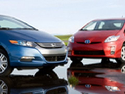 2010 Toyota Prius Vs 2010 Honda Insight Comparison Test Edmunds