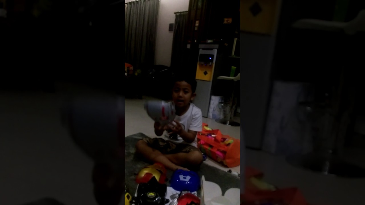Kyo Toys Review Topeng Super Hero Youtube