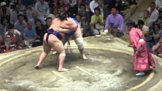20150521 大相撲夏場所12日目 碧山vs魁聖 大型同士の力相撲.
