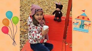 Алиса и Мишка в парке аттракционов видео для детей