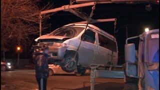 В столб врезался микроавтобус, в котором ехали гости со свадьбы.MestoproTV