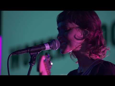 Смотреть клип Meg Myers - Constant