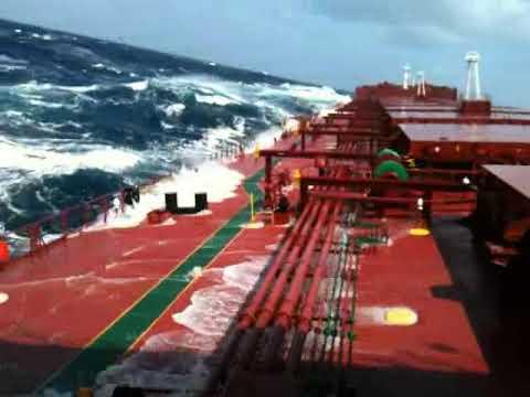 Bulk carrier capsize on heavy seas