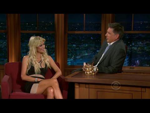 Late Late Show with Craig Ferguson 8/5/2010 Paris Hilton, Alex Dryden, Fred MacAulay