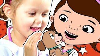 ДОКТОР ПЛЮШЕВА Играем в доктора Ветеринара Окулиста и Педиатра Передвижная Клиника Видео для детей