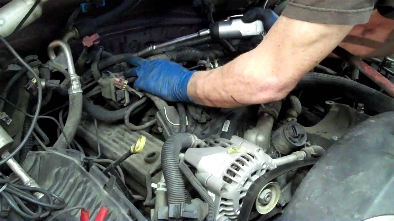 how to change a spider injector on a chevrolet v8 youtube replace spider injectors on 350 chevy on chevy vortec engine diagram [ 1280 x 720 Pixel ]