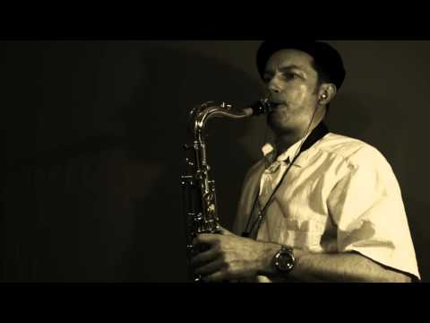 Baby Can I Hold You (Tracy Chapman) Instrumental Saxophone by Barry S.