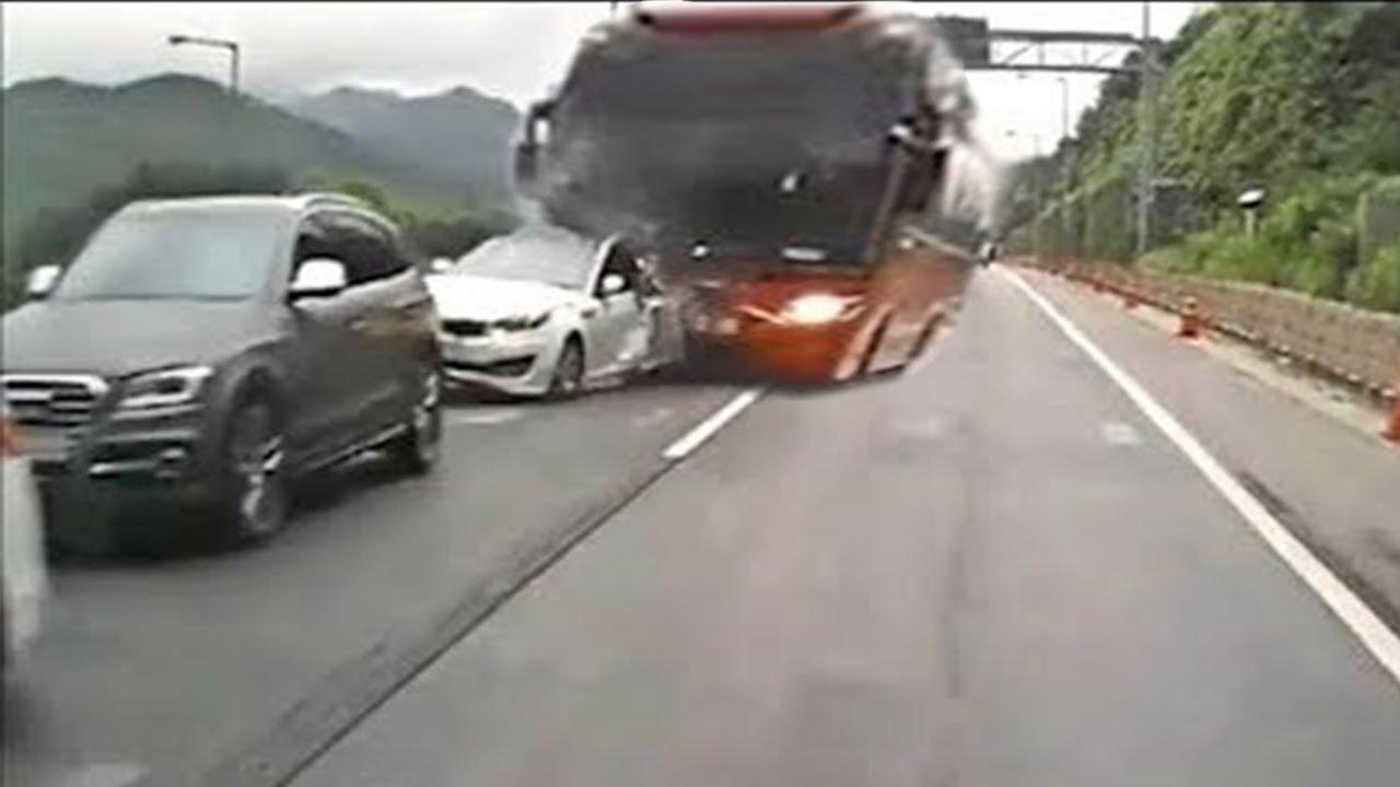 Idiots on Cars 54