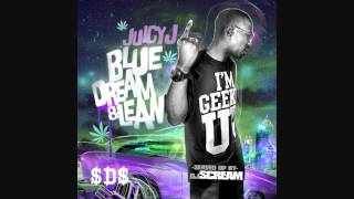 Watch Juicy J Geeked Up On Them Bars video