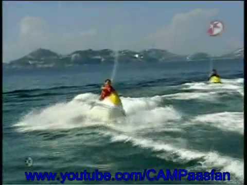 mateo y patito pasean en acapulco en motos acuaticas