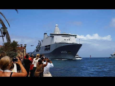 HNLMS Karel Doorman entering harbour Willemstad Curacao