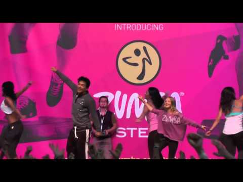 Fanny Madarasz with Beto Perez on Zumba stage in Rimini Wellness. Mara – Dj Dale Play