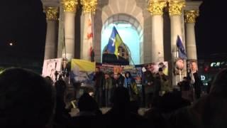 На Майдане просят дрова и продукты