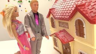 Видео для девочек. Кукла Барби и Кен идут на свидание