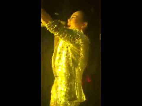 Thu Minh biểu diễn tại THE BANK Hà Nội
