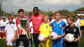 Lukoil Cup. Quincy Promes with children. Play against racism