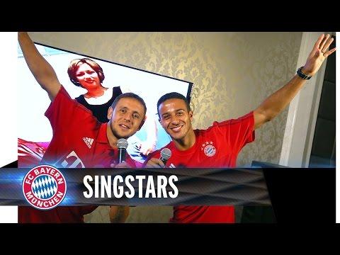 Thiago Alcantara i Rafinha śpiewają karaoke