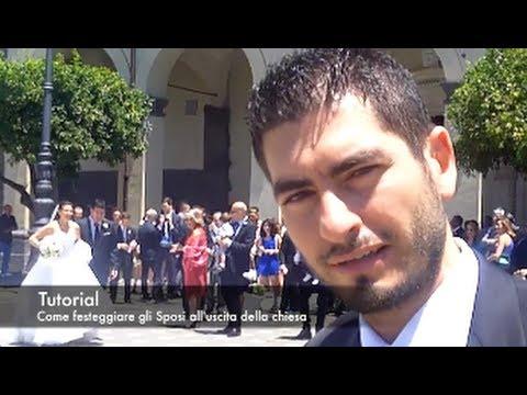Tutorial - Come festeggiare gli Sposi all uscita della chiesa - YouTube 7babae7a724