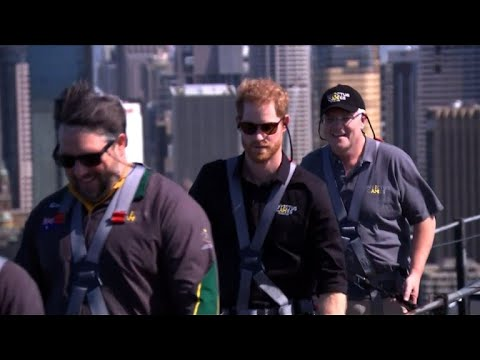 Prince Harry scales Sydney Harbour Bridge