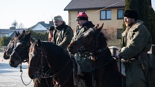 Rekonstruktorzy konno zawitali do Ostrowi Mazowieckiej