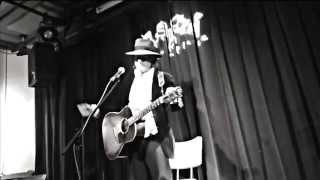 Gary Lucas plays Captain Beefheart