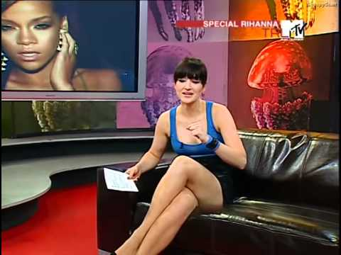 Ariane Alter (MTV VJ) @ Special TRL 30.05  Mini Lederrock