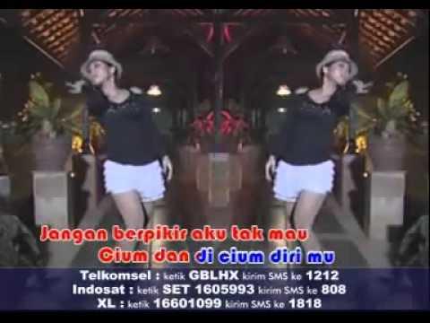 Santi S   Langit Ke 7 Karaoke)   YouTube