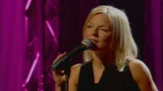 Video Geri Halliwell - Calling Live At  Blue Peter download MP3, 3GP, MP4, WEBM, AVI, FLV Juli 2018