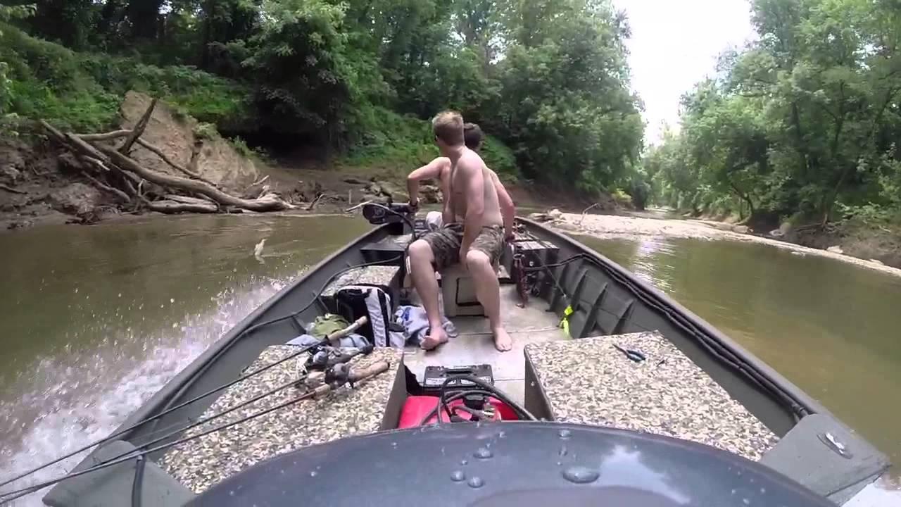 Boat crash in the Jet Drive