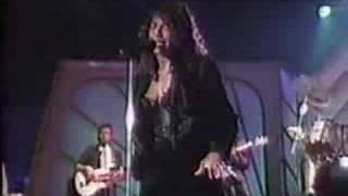 NATALIE COLE (Live) - I Live For Your Love (w / lyrics)