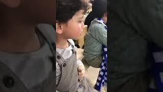 بالفيديو.. أطفال صغار ينادون على قوميز من المدرجات - صحيفة صدى الالكترونية