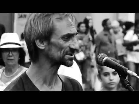 """TIME"" by Pink Floyd, AMAZING PERFORMANCE by street musician in Rome"