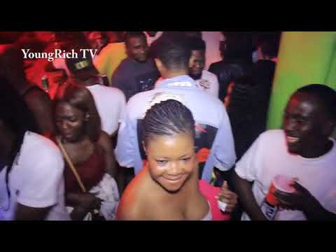 Victor AD - Wetin we gain live in Ghana @ Young Rich Hide Out Part 2