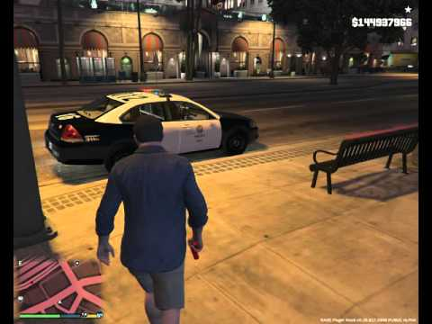 GTA 5 PC Michael Incinerates People With Flare Gun