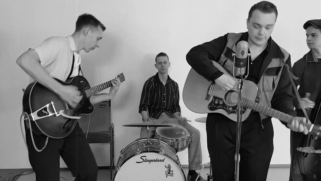 Ed Cavin & The Blue Kings - She'e Not Here Anymore - YouTube