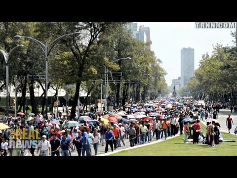 Tens of Thousands March Against Mexico School Privatization