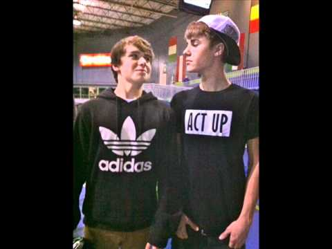 New Justin Bieber Pictures 2011 (Part 2)