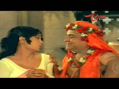 Swamiji Romance With Hot Beauty