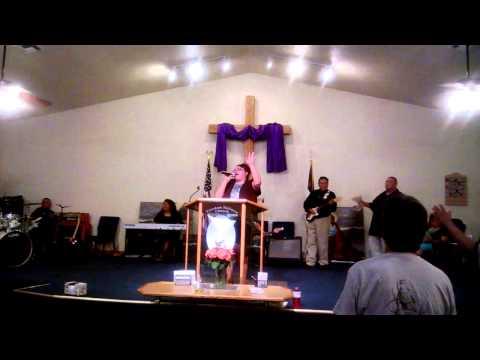 Amazing Grace in Apache/English