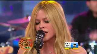 Repeat youtube video Avril Lavigne - Let Me Go @ Good Morning America (5/11)