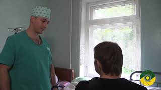 У зоні АТО військові лікарі 66 го мобільного госпіталю консультують та оперують цивільне населення