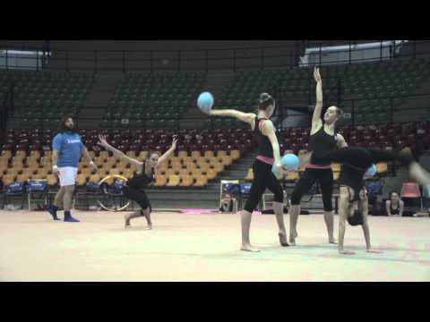 VIDEO – Le ragazze della ginnastica ritmica campionesse del mondo, Castrogiovanni ora provaci tu!