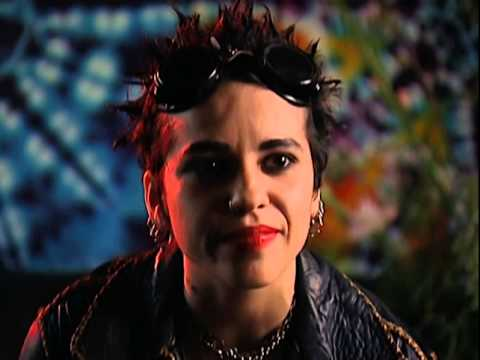 Linda Perry - Interview - 4/27/1994 - Fillmore Auditorium (Official)