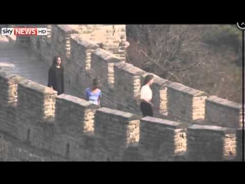 Michelle Obama Tours China's Great Wall