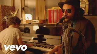 Leiva - Dance Me to the End of Love