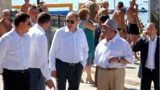 Правительство Крыма на набережной в Судаке