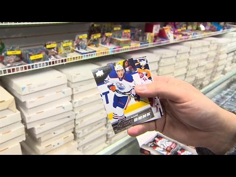 Connor McDavid's rookie card draws a huge crowd