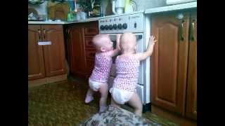 мои двойняшки)))