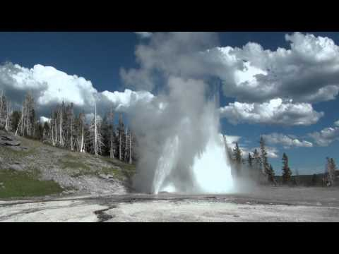 Grand Geyser - Yellowstone