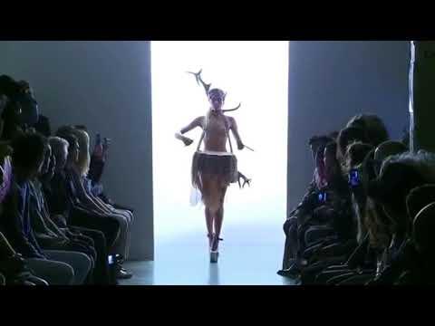 Nudist 全裸体时装周,走进美女艺术殿堂